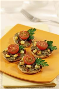Blinis con guacamole. Receta disponible TR