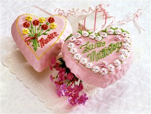 Two heart-shaped flower cakes for Mother's Day