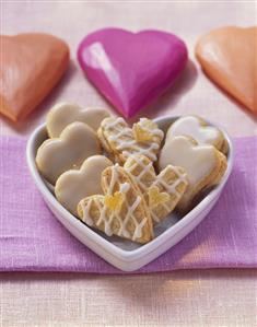 Ginger hearts with apricot jam (2)