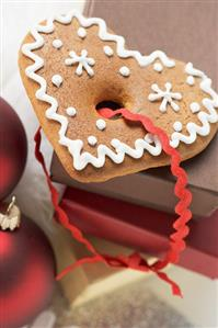 Gingerbread heart on boxes (Christmas)