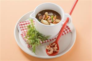 Mixed vegetable soup with shrimps